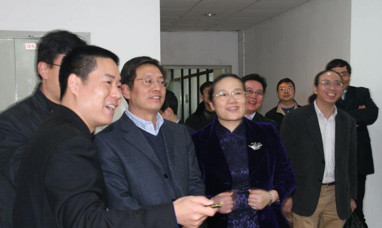 屠光紹常務副市長、趙雯副市長、李逸平區長等領導視察一比多(上海火速)